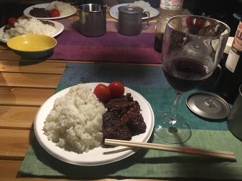 お肉には赤ワインでしょ!